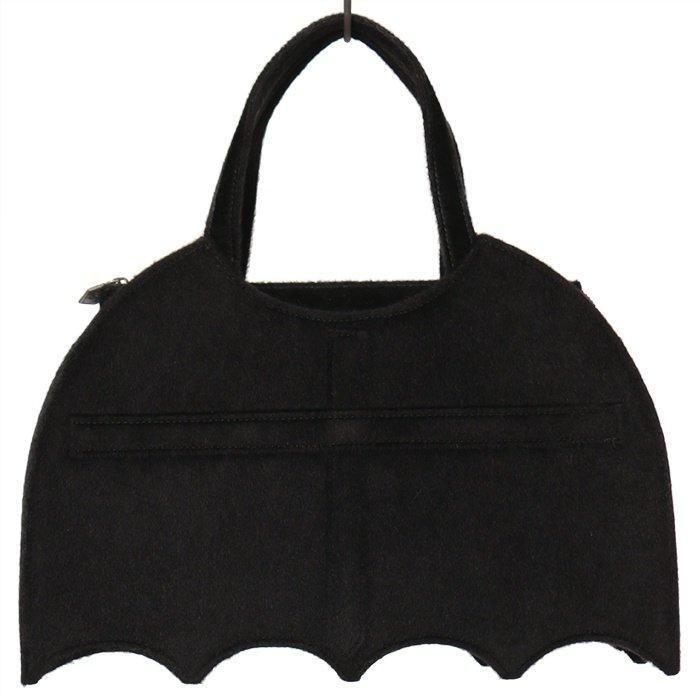 アイテム③コウモリハンドバッグ